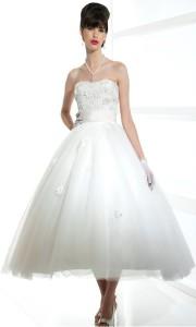 Короткое свадебное платье с чайной длиной